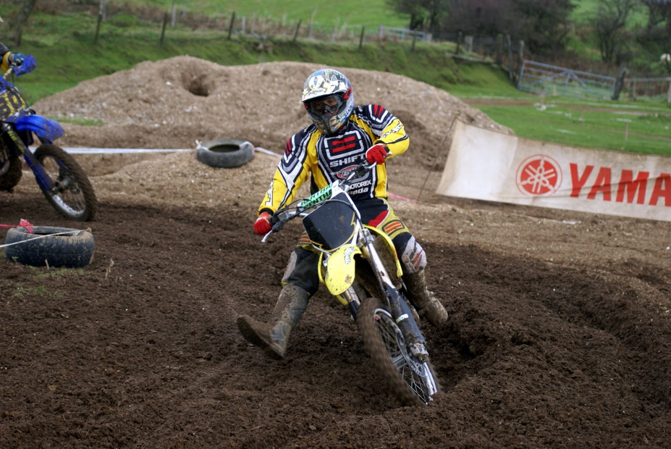 Cefn Parc MX Trax Bridgend, click to close